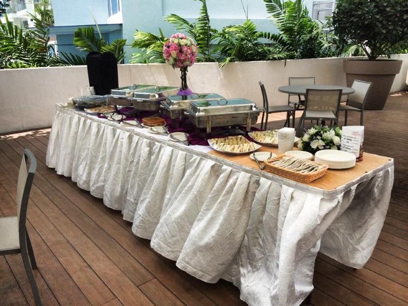 Awe Inspiring 15Outdoor Buffet Setup Caterspot Blog Interior Design Ideas Oxytryabchikinfo